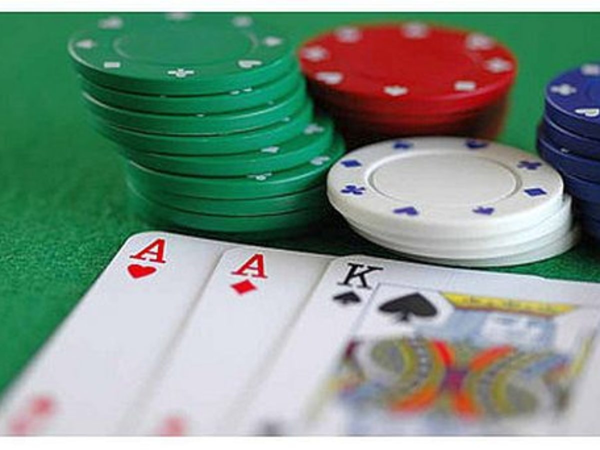 Introduction To Online Poker - Playing